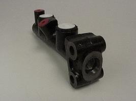 AMI 6  /  AMI 8 Onderdelen - hoofdremcilinder lhm
