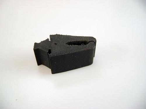 rubber voorvleugel op chassis