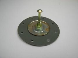 2CV Onderdelen - benzinepompmembraam 8 gaten