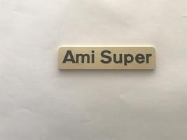 - monogram ami super