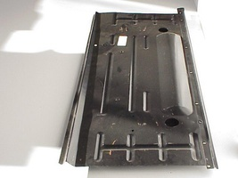 AMI 6  /  AMI 8 Onderdelen - bodemplaat rechts ami 6