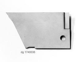 2CV Onderdelen - rep  deel tss voorvleugel-deur rechts onder